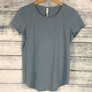 LULULEMON-Light Blue Athletic Short Sleeve T-Shirt